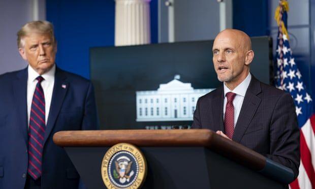 کاخ سفید رئیس سازمان غذا و داروی آمریکا را تهدید به برکناری کرد