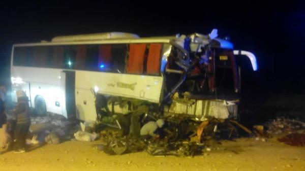 خبرنگاران تصادف اتوبوس و تریلی در محور آرادان-سرخه 27 مصدوم به جا گذاشت